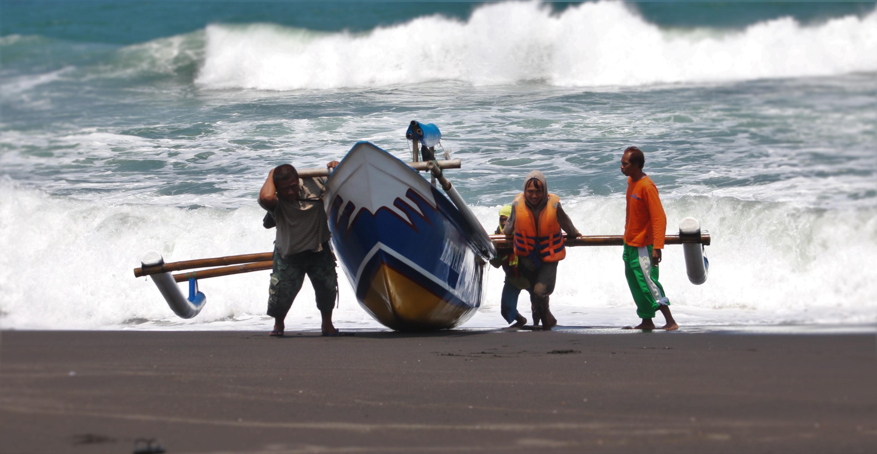 Nelayan Pantai Congot